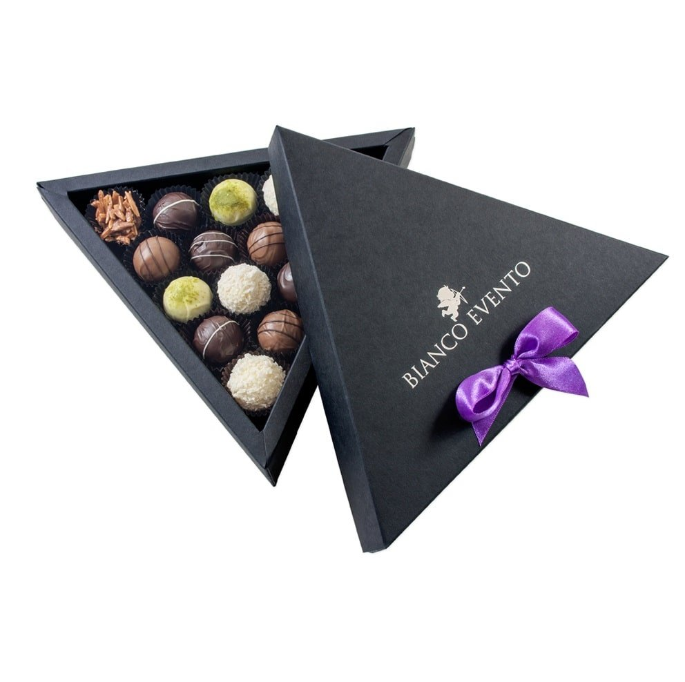 Personalised triangle Belgian Chocolate Box, great for Christmas gift. www.ontimeprint.co.uk